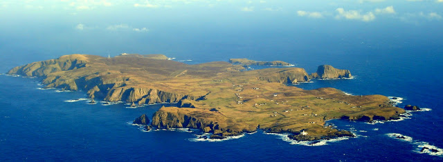 Visit The coast of Fair Isle in Scotland with Eagle Wings ...