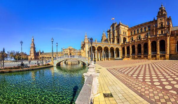 Plaza Barroca de España en Sevilla